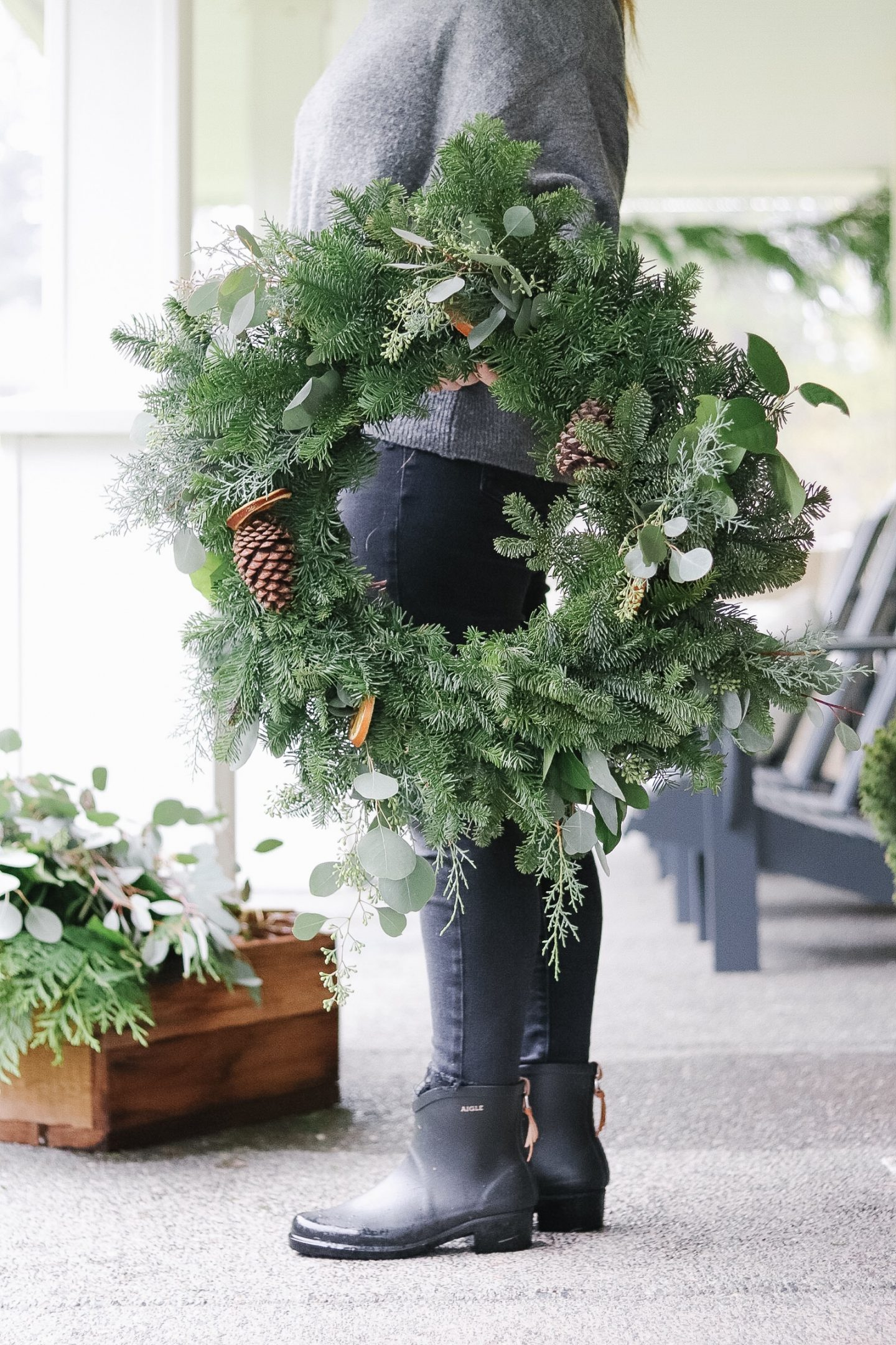 How to Customize a Basic Wreath
