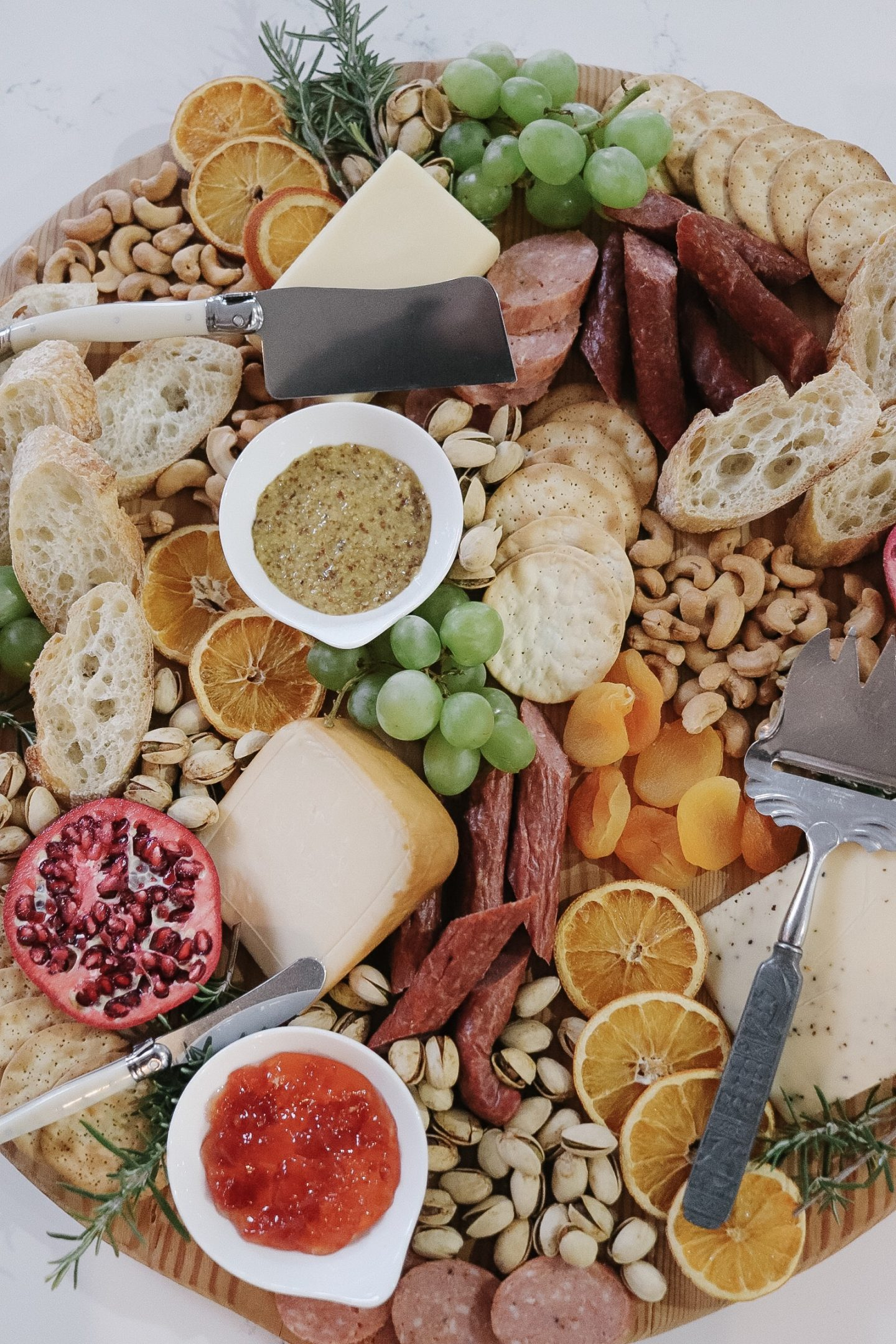 How to create a Simple Holiday Charcuterie